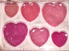 I loved these lil play makeup palettes when I was little!!