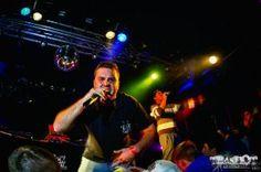 """#SK-Crew! Wärmsten zu empfehlen, wenn für die Partynacht Hi-Perfomance abgerufen werden muss und Absacken keine Option ist. Wer im """"Hi-Perfomance Fuel"""" baden geht, sollte umgehend keinen Hals, Nasen- und Ohrenarzt aufsuchen! Lieber Vitamine aus Tabletten schlucken! #hiphop #musik #rock #hmb #rfv #band #schweiz #switzerland"""