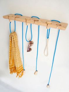 Hook-It String, wall hanger by Vered Venezia