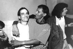 N<a href='http://acervo.estadao.com.br/noticias/acervo,fotos-historicas-cazuza-e-ney-matogrosso,11707,0.htm' target='_blank'>ey Matogrosso, Cazuza e Paulo Ricardo</a>na estreia do show 'Ideologia' em 1988