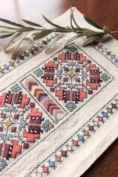 Couture Embroidery, Folk Embroidery, Embroidery Stitches, Cross Stitch Geometric, Dmc Floss, Coral Blue, Satin Stitch, Cross Stitch Designs, Cross Stitching