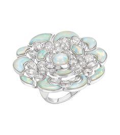 Bague Pétales de camélia, or blanc 18kt, saphirs roses, opales - Chanel, haute joaillerie.