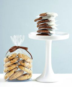 Double and triple chocolate cookies Triple Chocolate Cookies, Evo, Goodies, Place Card Holders, Sweets, Recipes, Treats, Sweet Pastries, Gummi Candy