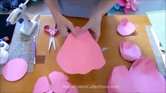 How to make giant paper roses. Step by step easy paper rose tutorial with templates. How to make giant paper roses. Step by step easy paper rose tutorial with templates.How to make giant paper roses. Step by step easy paper rose tutorial with templates. Tutorial Rosa, Rose Tutorial, Paper Flower Tutorial, Origami Tutorial, Giant Paper Flowers, Diy Flowers, Fabric Flowers, Wedding Flowers, Flower Paper