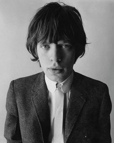 Mick Jagger by David Bailey. Amazing vintage photograph of a young Jagger from The Rolling Stones. The Rolling Stones, Beatles, Diana Vreeland, Catherine Deneuve, Keith Richards, Black And White Portraits, Music Icon, Audio Music, Brigitte Bardot
