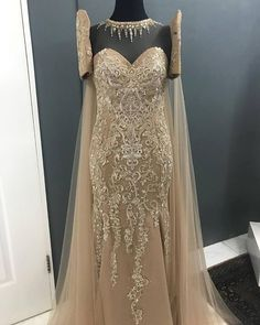 Color, embroidery, not the cape Filipiniana Dress / Balintawak Gown / Filipino Costume / Philippine Terno Modern Filipiniana Gown, Filipiniana Wedding, Senior Prom Dresses, Bridesmaid Dresses, Wedding Dresses, Henna Designs, Filipino Wedding, Filipino Fashion, Reception Gown