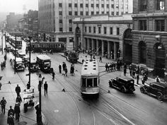Undated photo shows the Craig St. tramway terminus at what is now St-Antoine and St-Urbain Sts. Vintage Pictures, Old Pictures, Old Photos, Montreal Ville, Of Montreal, Rue Sainte Catherine, Archive Library, Photo Vintage, Traffic Light