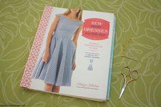 How to Tweak Sewing Patterns - Rae Gun Ramblings Sewing Hacks, Sewing Tutorials, Sewing Projects, Sewing Tips, Sewing Ideas, Plus Size Sewing Patterns, Pattern Grading, Bodice Pattern, Make Your Own Dress