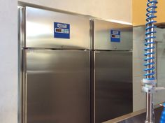 Armadi Zambon Frigotecnica modello 062 che garantiscono, grazie alle caratteristiche tecnologiche, il mantenimento della qualità di una grande produzione di gelato e altri prodotti. La gelateria nella Torre dell'Acqua - ZAMBON FRIGOTECNICA