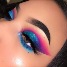 Best Magical Eye Makeup Ideas For 2019 – Loading. Best Magical Eye Makeup Ideas For 2019 – Makeup Eye Looks, Eye Makeup Art, Colorful Eye Makeup, Natural Eye Makeup, Cute Makeup, Pretty Makeup, Eyeshadow Makeup, Eyeshadow Palette, Rainbow Makeup