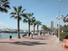 Spanish Towns, Spanish House, Murcia, Alicante Spain, Spain And Portugal, Am Meer, Beach Town, Spain Travel, Modern Buildings