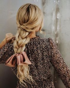 It's Time To Forget About Usual French Braid Hairstyles Here you can find a lot of new ways of braiding your hair, just go on reading not to miss the best one. We have some beauty secrets to share with you. Check them out! French Braid Hairstyles, Hairstyle Look, Pretty Hairstyles, Braided Hairstyles, Hairstyle Ideas, Wedding Hairstyles, Braided Locs, Teenage Hairstyles, Toddler Hairstyles