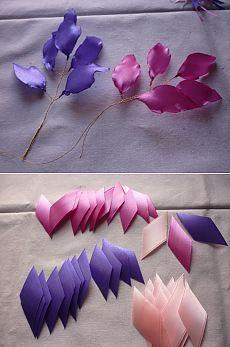 Веточки с атласными листочками из ленты.