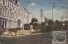 Calle Blanco.   La estatua del Bombero que actualmente está en la Avda. Brasil