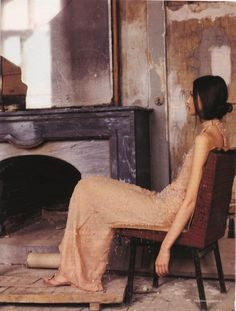 oksana maloletkova by deborah turbeville for vogue russia april 2000. looks like a painting