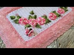 How to Crochet a Puff Flower Crochet Bunny, Diy Crochet, Crochet Flowers, Crochet Rugs, Yarn Projects, Projects To Try, Simply Crochet, Crochet Potholders, Baby Afghans