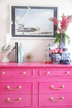 Pink vintage dresser | Un mueble vintage en color rosa mexicano, Hermoso!