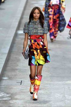 2a76bd9c5b410 Karl Lagerfeld Put Ladies First at a Politically Charged Chanel Show:  Always one to tap into the zeitgeist, Karl Lagerfeld turned the runway into  a Parisian ...