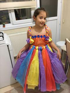 Geri dönüşüm malzemelerinden kostüm Recycled Costumes, Recycled Dress, Fashion Week, Fashion Show, Anything But Clothes, Fancy Dress, Dress Up, Choli Dress, Paper Clothes