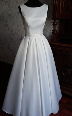 Modern Simple Jewel Neck Sleeveless Long A Line Satin Wedding Dress