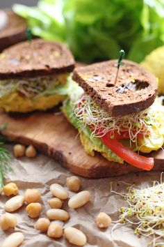 I'm all about easy and healthy lunch ideas that take minutes to prepare and are convenient to transport to work, school or just on the go. Today I'm teaming up with my awesome friend Candice from The EdgyVeg to turn your traditional lunch favourites like egg & tuna salad and giving them a vegan makeover,2...Read More »