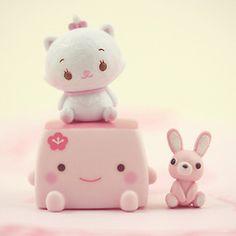 Squishy tofu, e piccoli peluche Kawaii Japan Kawaii, Kawaii Shop, Kawaii Cute, Kawaii Stuff, Kawaii Bunny, Kawaii Things, Toy Art, Biscuit, Hello Kitty