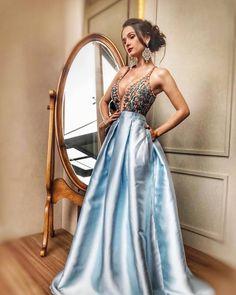 66a074c698 vestido de debutante azul claro Casamento De Noite