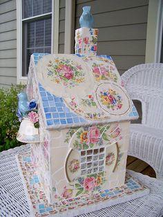 Pique Assiette Mosaic Birdhouse
