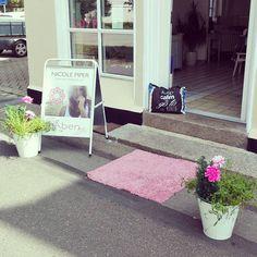 Det bliver en god dag i dag ❤ #nicolepiper #smykker #beachbag #pink #happy #day