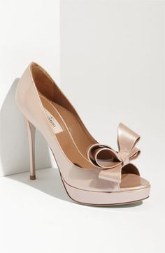 Nude Bow Pumps | Valentino