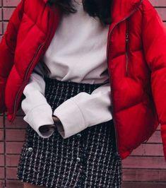 Doudoune oversize avec une jupe ultra féminine
