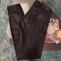 Lucky Brand skinny jeans Super cute new condition Lucky Brand skinny jeans size 24 inseam 29 Lucky Brand Jeans Skinny