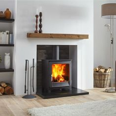 38 trendy wood burning stove fireplace decor log burner - Ideas for the house Log Burner Living Room, Home Living Room, Living Room Designs, Living Room With Stove, Wood Burner Fireplace, Wood Burner Stove, Pellet Stove Fireplace Insert, Gas Log Burner, Wood Stove Wall