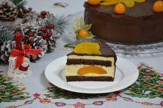 Savoare in bucate: Tort cu ciocolata, crema de piersici si blat umed