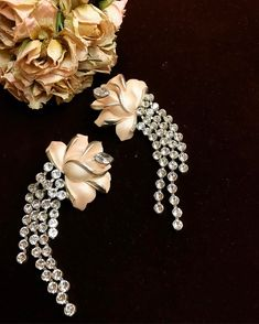 Bride earrings created with Swarovski crystals. For a glam bride to be. Unique creation by TRIA ALFA. #bride #swarovski #wedding #bridetobe #fashion #style