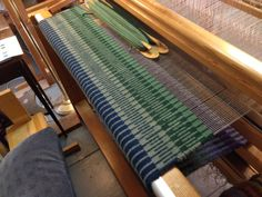 New ebook top ten rugs on four shafts weave a rug pinterest on the loom past the halfway point fandeluxe Images