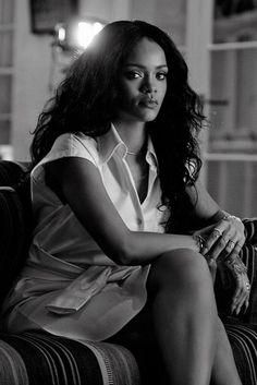 Image about beautiful in Robyn Rihanna Fenty by DI ♕ Style Rihanna, Rihanna Riri, Rihanna Baby, Rihanna Fashion, Saint Michael, My Girl, Cool Girl, Blake Steven, Jenifer Lawrence