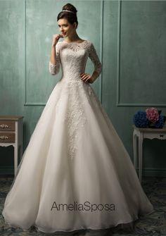 Wedding dress Ines by Amelia Sposa.