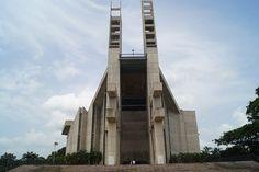 El Santuario Nacional de Nuestra Señora de Coromoto es una Basílica menor y…