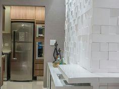 Mosaico Etrusco branco - Arq. Daniela Resk - Foto: Baltazar #piso #design #arquitetura #castelatto #revestimento #decor #decoração #sofisticacao #textura #inovacao #floor #revestimento #parede #wall #kitchen #cozinha #interioresdesign #style #decoraçãodeinteriores #decordesign #decorando #referencia #decoration #decorlovers #decoracao #archilovers #cocina #cocinas