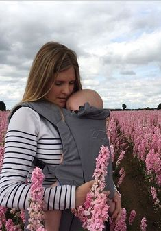 The Award Winning Juno baby carrier by Mountain Buggy.