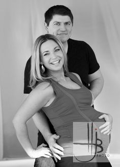 Elegant pregnancy pictures in photography studio « HJB Chicago Maternity Photographers