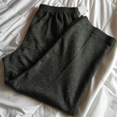 """Gray and black casual/work pants 28"""" inseam 38 1/2"""" out seam w/elastic waist Alfred Dunner Pants"""