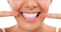 Voici comment blanchir ses dents de façon naturelle. Des dents éclatantes de blancheur avec des produits naturels. Des astuces pour un joli sourire.