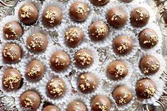 Twix Cupcakes, Macarons, Fancy Desserts, No Bake Treats, High Tea, Candy Recipes, Food Gifts, Truffles, Fudge