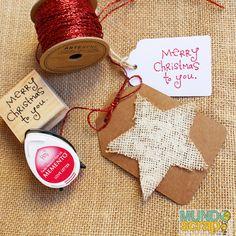 Ya estábamos en modo Navidad, pero ahora es un no parar: tarjetas, cintas, adornos, washi, sellos...!! Todo en www.mundoscrap.com