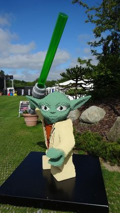 Rebels and Troopers (and Jawas) Invade LEGOLAND Denmark