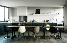 large table in open plan kitchen interior Interior Desing, Interior Inspiration, Interior Architecture, Inspiration Boards, Kitchen Inspiration, Kirchen Design, Loft Design, House Design, Design Hotel