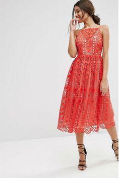 Este verano 2016 tendrás más de una boda marcada en tu agenda. Conviértete en la invitada perfecta con esta selección de vestidos de la colección de ASOS.  #Modalia | http://www.modalia.es/negocios/tiendas/asos/11433-coleccion-vestidos-invitada.html  #asos #invitadaperfecta #wedding