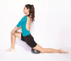 Pnf Stretching, Psoas Stretch, Psoas Release, Ballet Barre, Psoas Muscle, Back Exercises, Stretches, Yoga Meditation, Glutes